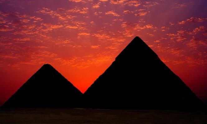 Pyramid Sun Set